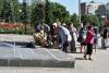 У Бахмуті пройшов мітинг з нагоди Дня скорботи і вшанування пам'яті жертв війни в Україні.