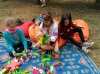 «Бахмут - моя родина» - під таким гаслом Управління освіти, міський методичний кабінет та колективи закладів освіти організували святкові заходи для всіх дітей міста. У них взяли участь вихованці, їх батьки та педагоги.