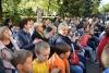 Останніми у святковому марафоні до Дня міста 28 вересня вітання приймали  мешканці.  Урочистості відбулися на території Бахмутської загальноосвітньої школи №3.