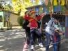 Інструктори Артемівського міського центру туризму краєзнавства та екскурсій навчили дітей садочка №10 туристичним хитрощам: встановлювати палатки, переправлятися з карабінами по канату, правильно укладатись в спальні мішки.